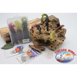 Caja surtido con 18 gusanos de silicona de Yo-zuri 15 cm con 2 paquetes de Mustad FC.S39