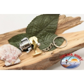 1 Keychain in the shape of a reel with the crank rotating FC.GA4